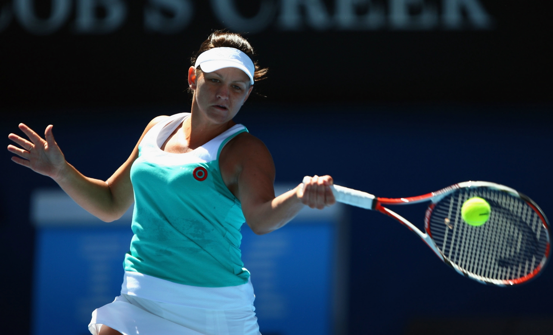 Thirty-three-year-old Australian Casey Dellacqua has announced her retirement from professional tennis
