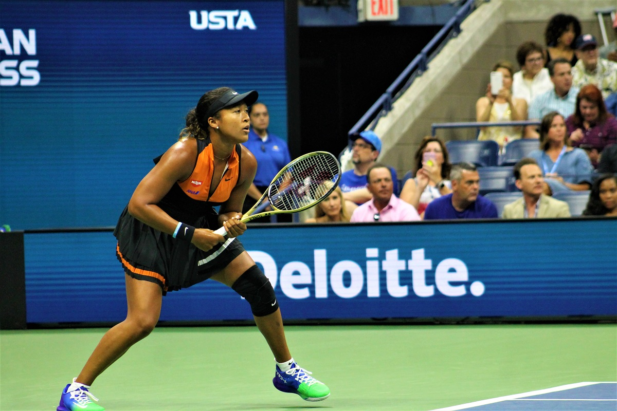 Naomi Osaka advanced to the final 16 at the US Open on Saturday night.