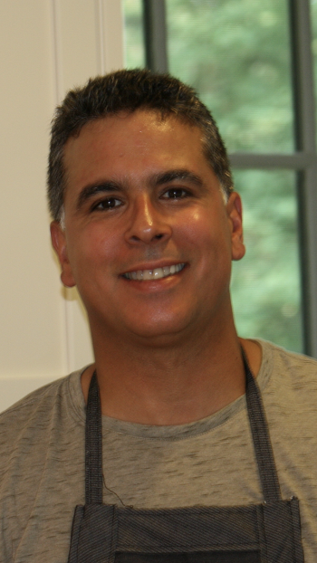 Jerry Rodriguez took over the role of Competitive Coordinator and Metro Tennis Service Representative in earlier this year.
