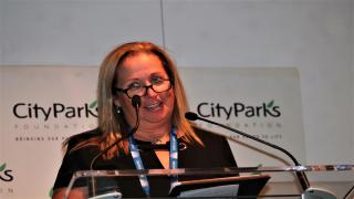 USTA Eastern's Executive Director and CEO Jenny Schnitzer was honored with the Vitas Gerulaitis Community Service Award at the 22nd Annual City Parks Foundation's Tennis Benefit.