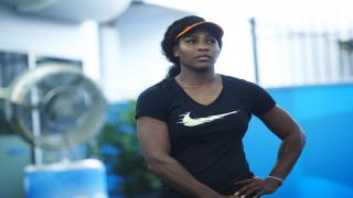 Three-time champion Serena Williams withdrew from the French Open Monday prior to her match with Maria Sharapova, feeling the effects of a pectoral muscle issue