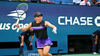 Simona Halep advanced into the Australian Open second round on Tuesday, holding off American Jennifer Brady 7-6(5), 6-1 to move on in one hour and 36 minutes.
