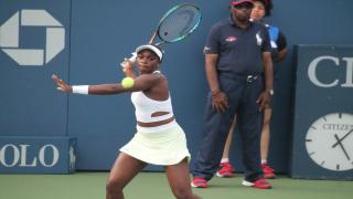 Sloane Stephens powered her way into the Miami Open final on Thursday.