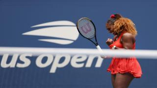 Serena Williams defeated second-seed Simona Halep to reach the Aussie Open semifinals on Tuesday.